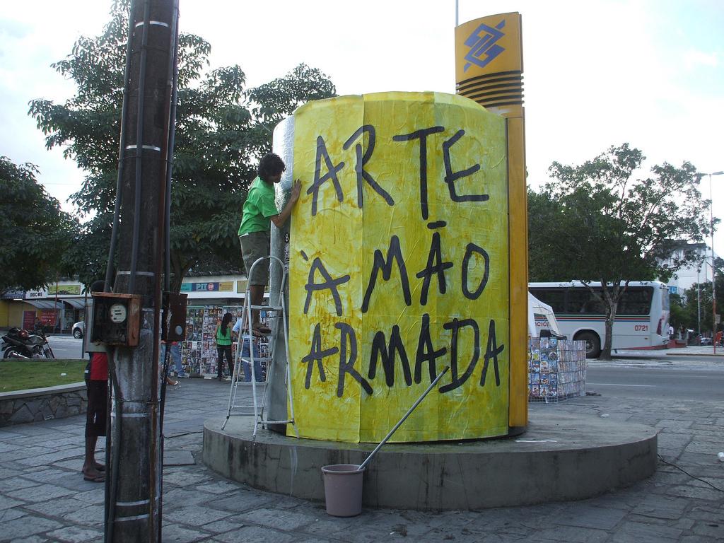 Arte a mao armada_14